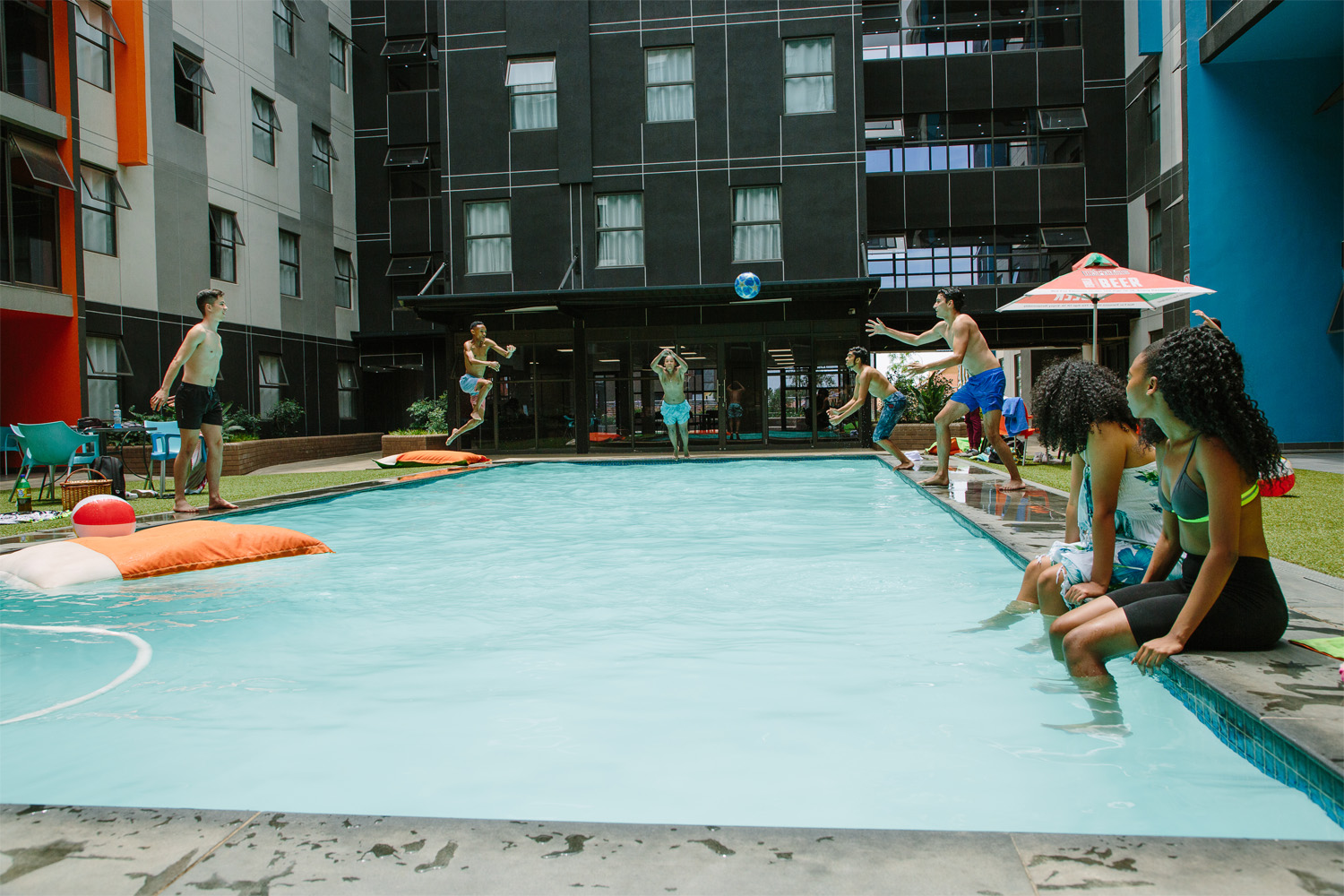 Hatfield_Square_Entertainment_Pool