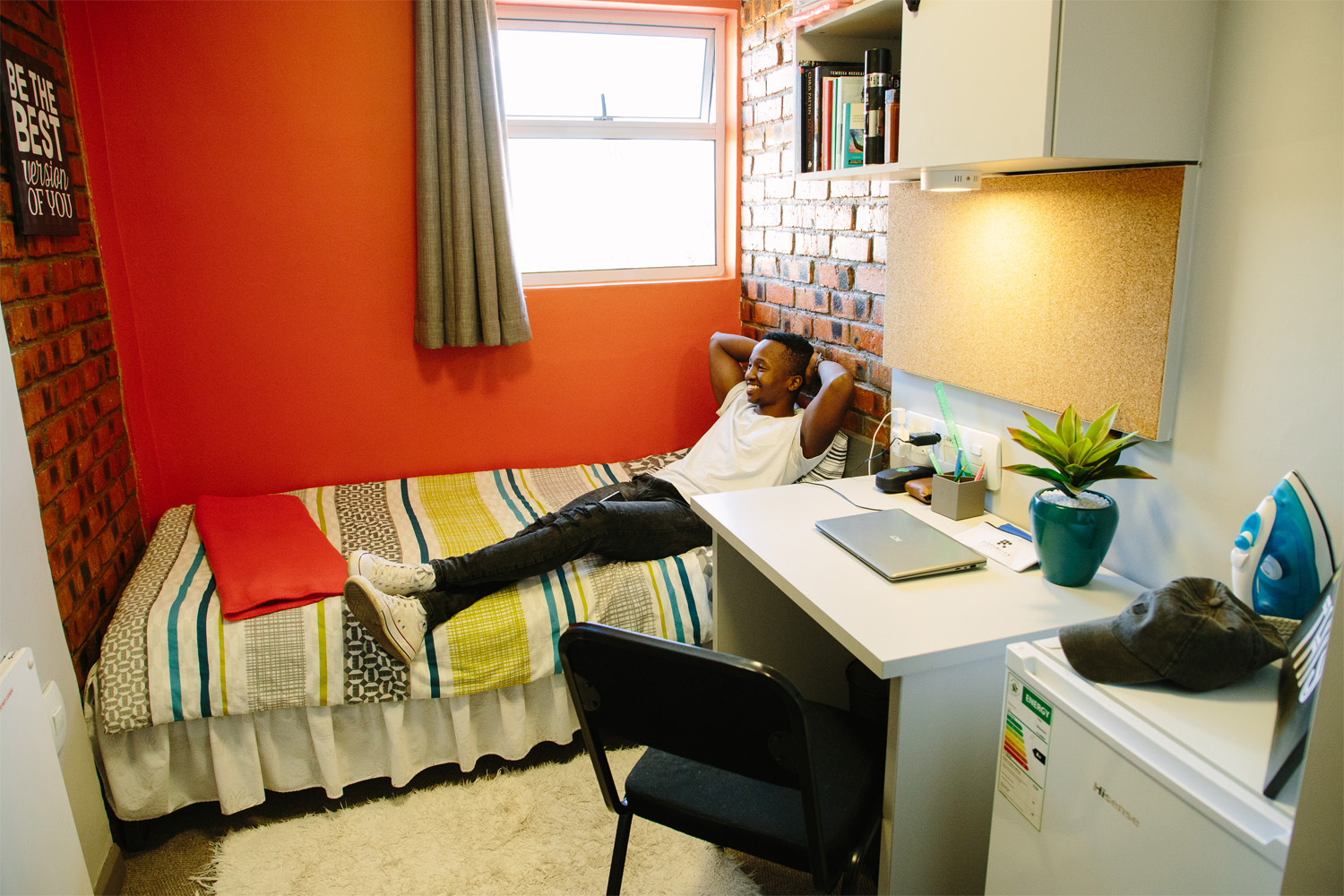 Lincoln_House_Dorm_Room2